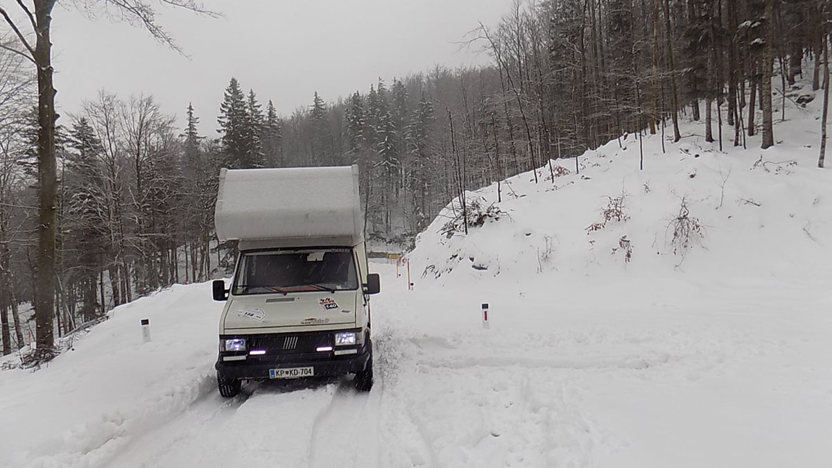 autocaravana nieve maurizio zivec