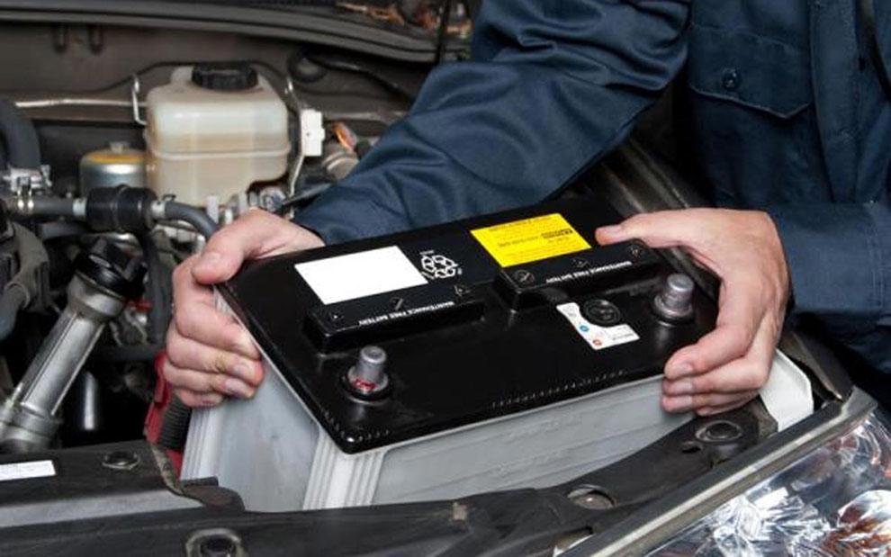 cambiar bateria de coche