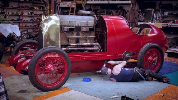 Restauran y arrancan un Fiat de más de 100 años