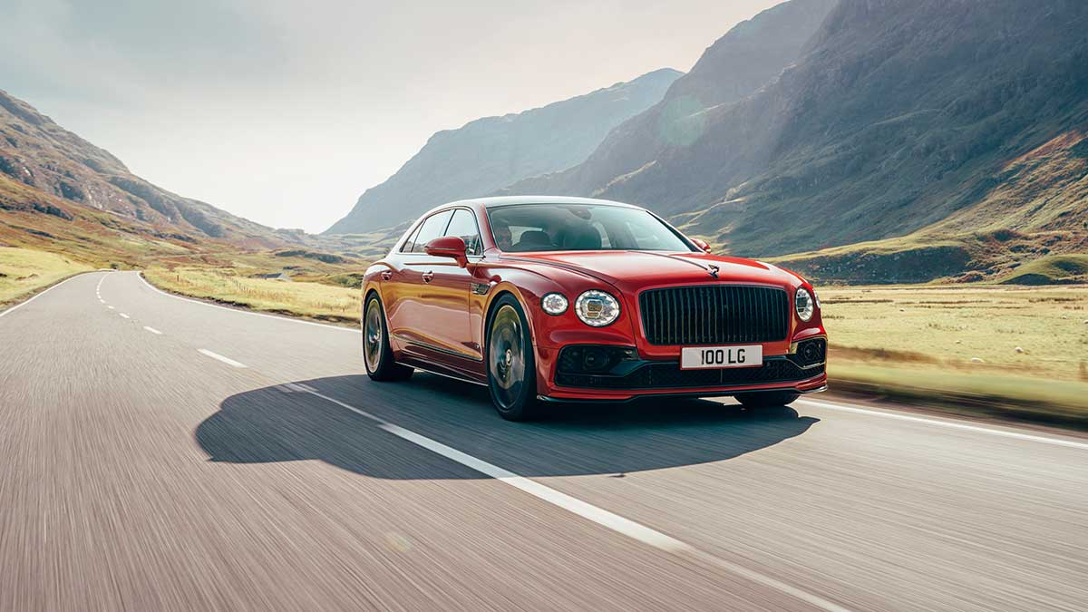 Bentley Flying Spur 2020: llega una nueva versión de acceso V8 con 550 CV