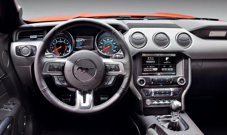 Las curiosas funciones del ordenador del Ford Mustang