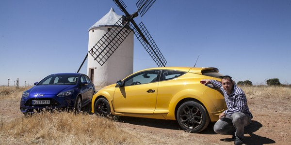 Ford Focus ST vs Renault Megane RS