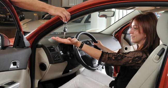 mejor manera alquilar coches