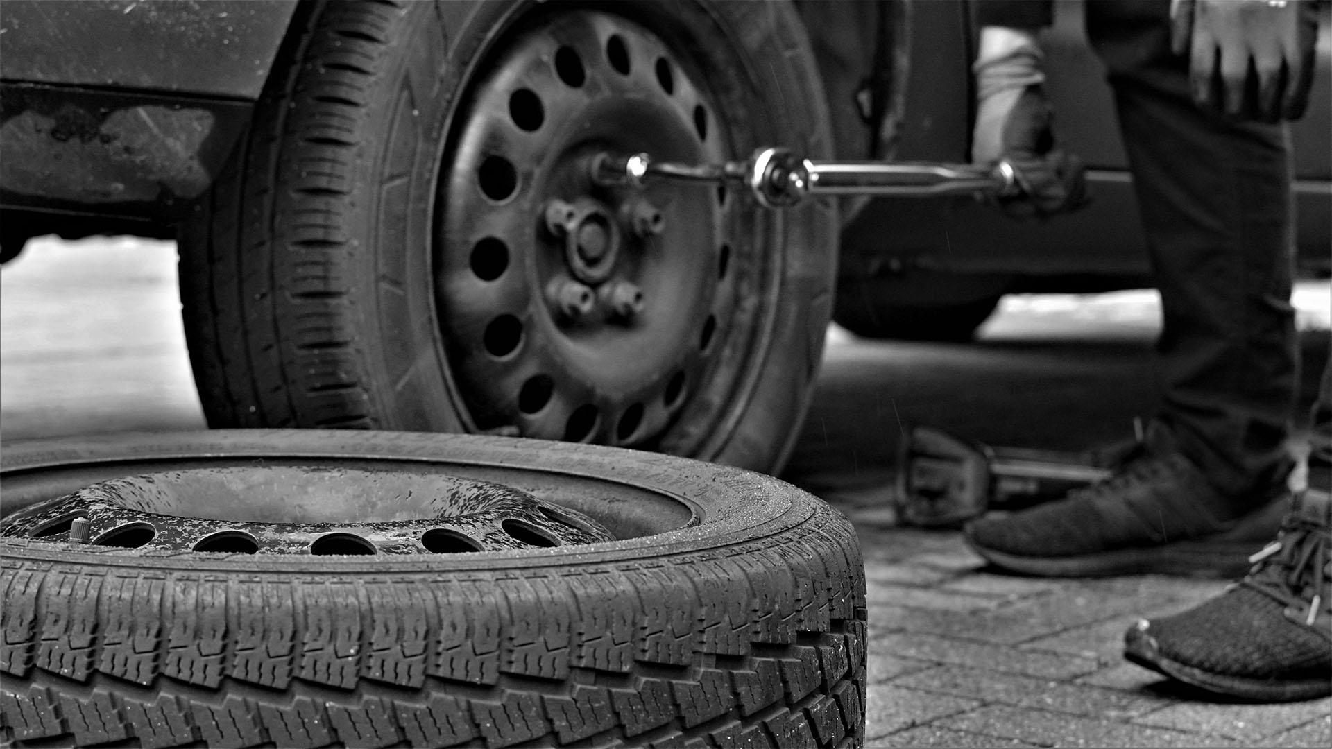 1,5 millones de coches circulan con defectos en los neumáticos