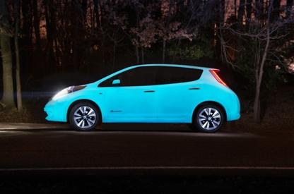 Nissan presenta el coche que brilla en la oscuridad