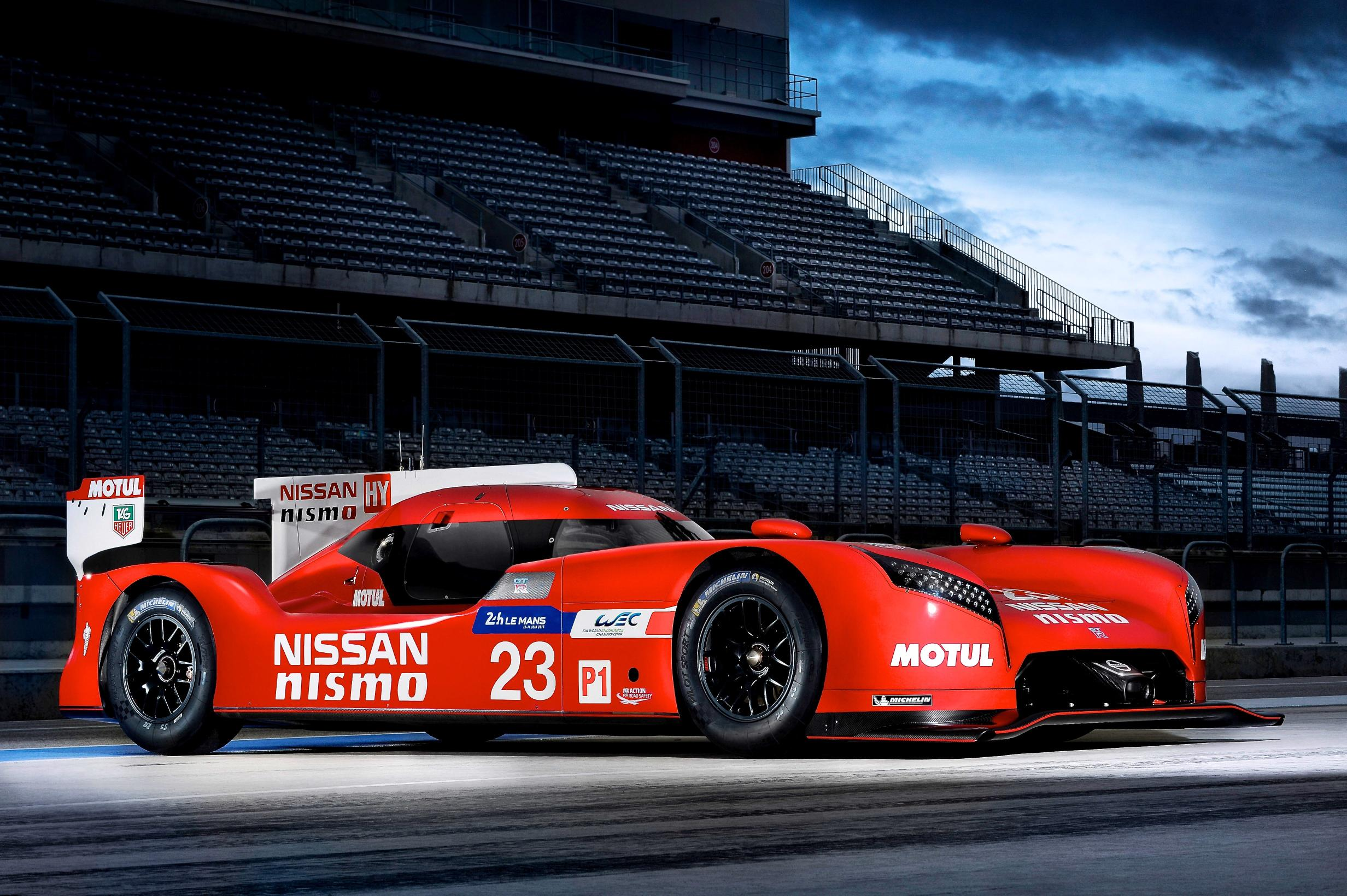 nissan gt r lm nismo static front three quarters