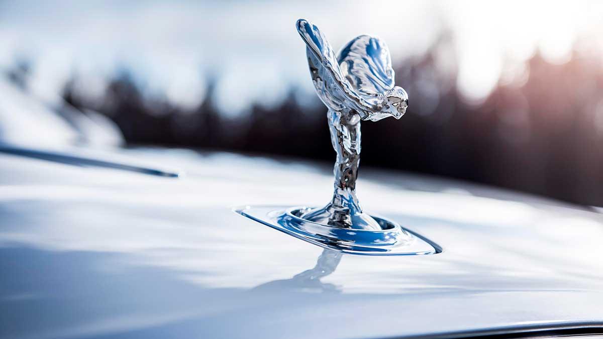 Coronavirus: Rolls-Royce también suspende la producción