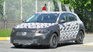Fotos espía del Fiat Tipo Cross 2021