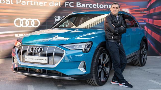 La plantilla del FC Barcelona estrena sus nuevos modelos de Audi