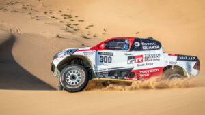 Fotos de Fernando Alonso preparando el Dakar