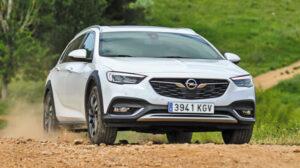Fotos del Opel Insignia Country Tourer en acción