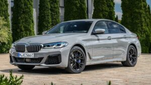 Fotos BMW 545e xDrive 2021