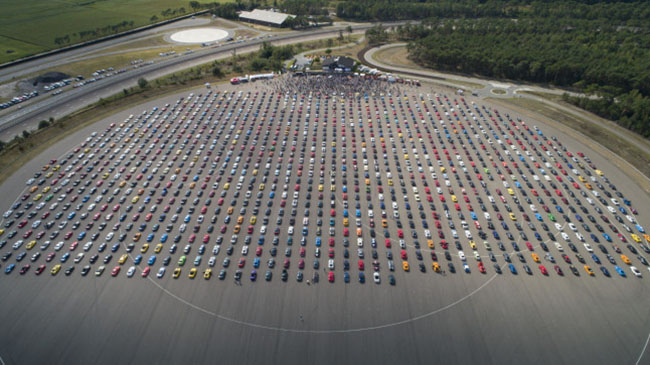 Vídeo: Ford bate el récord mundial de 'Mustangs'