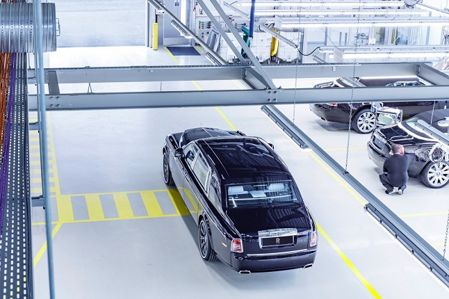 rolls royce ends phantom vii production after 13 years3