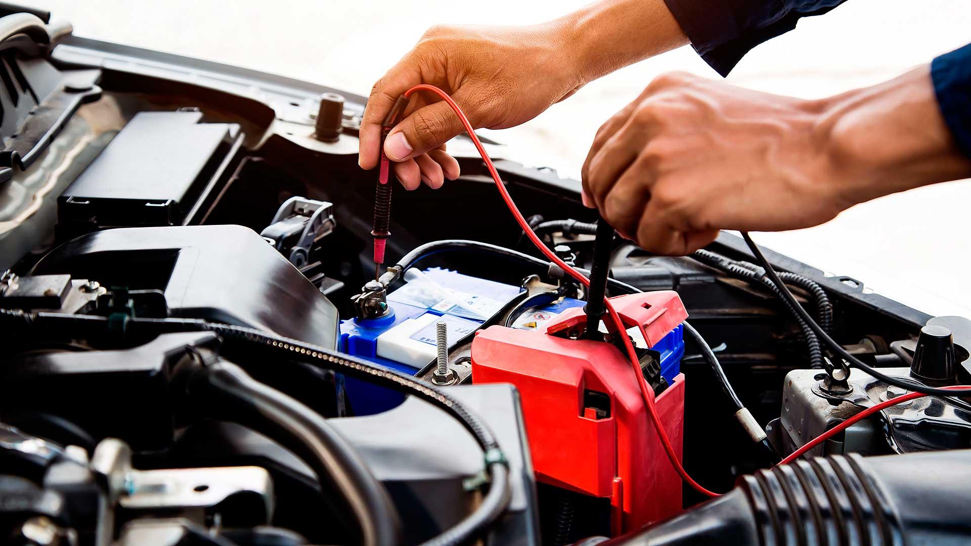 Batería del coche: cinco consejos para cuidarla y que tu coche no te deje tirado en verano