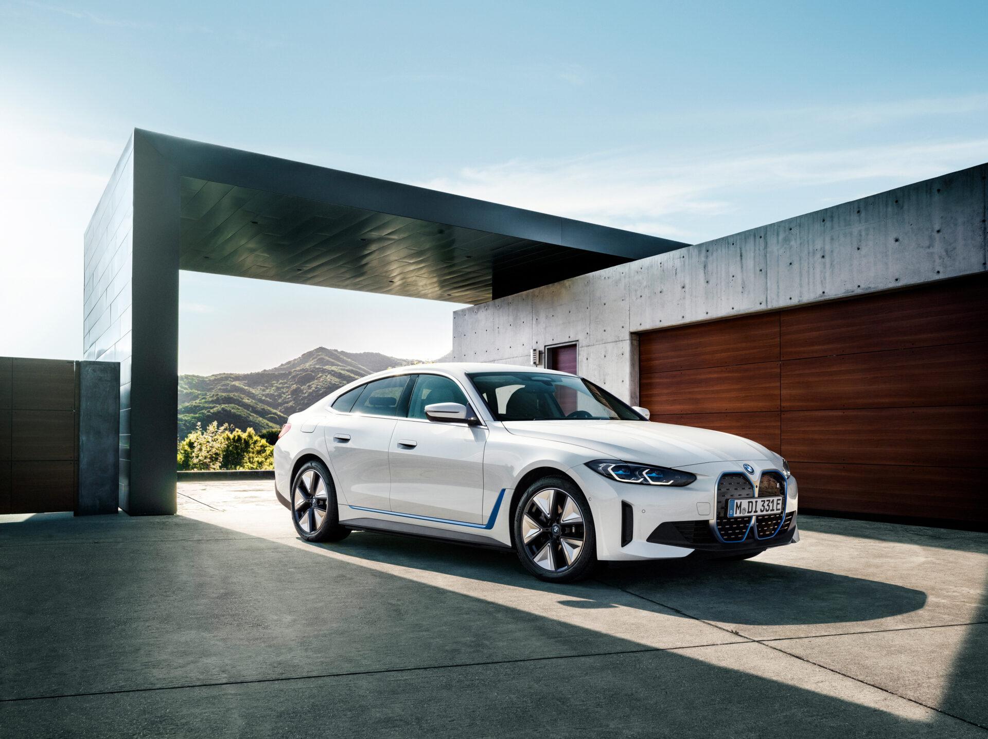 El nuevo BMW i4 2021 desvelado, ¿cómo es la berlina eléctrica que asusta al Tesla Model 3?