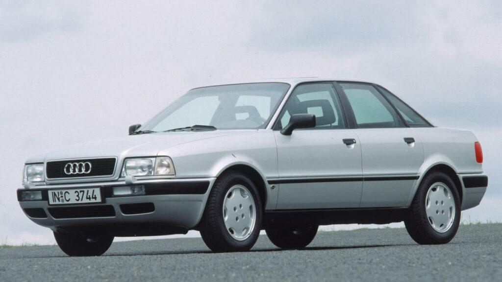 En 1991 el Audi 80 estrenaría el motor diésel más popular de los años 90 y el que popularizó las siglas TDI: el 1.9 TDI de cuatro cilindros y 90 CV, dotado de la misma tecnología que el propulsor del Audi 100.