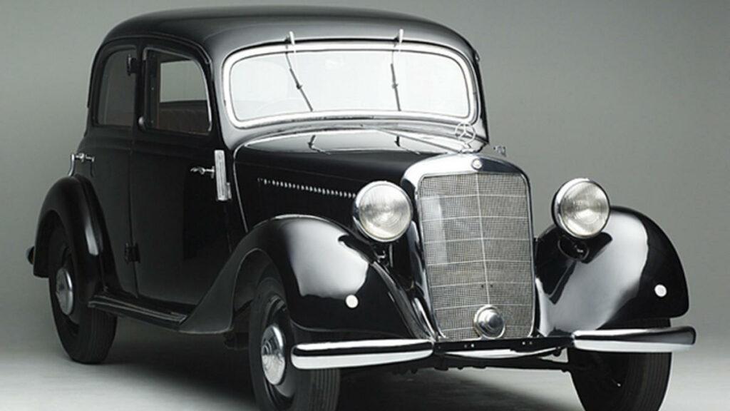 Este modelo, comercializado entre 1949 y 1955, fue el automóvil que popularizó los motores diésel en Europa. Concretamente el Mercedes-Benz 170D que se convirtió en el primer automóvil surgido tras la Segunda Guerra Mundial en equipar un motor impulsado por gasóleo.