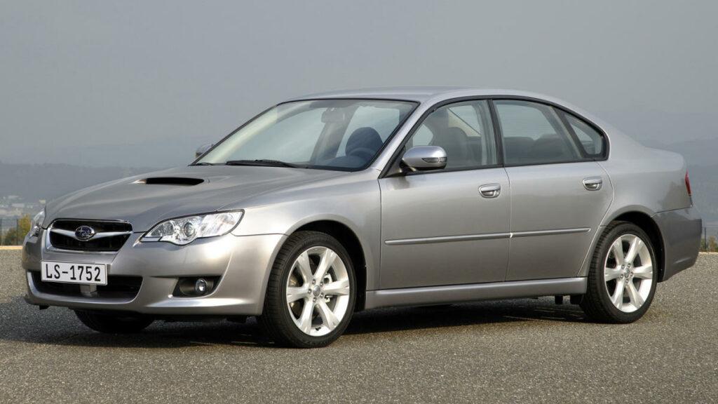 Subaru fue una de las últimas marcas en desarrollar un motor diésel. Y lo hizo a su manera: con un motor de 2,0 litros, de cuatro cilindros bóxer, dotado de un turbocompresor IHI.