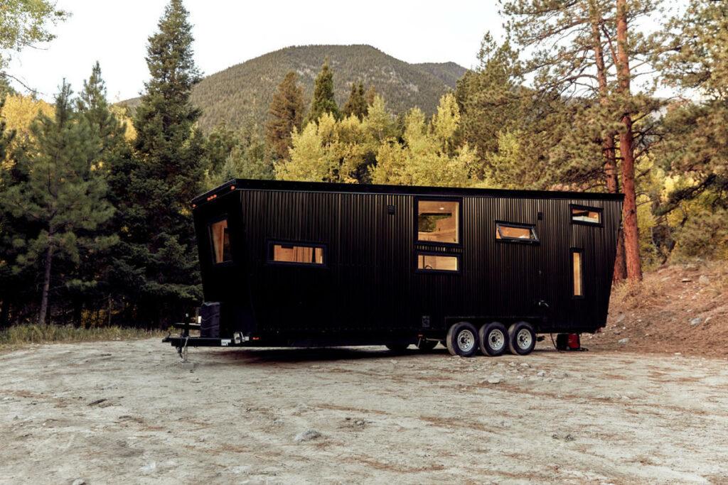 Por lo demás, toda la autocaravana está terminada en madera, algo que le aporta un toque acogedor.