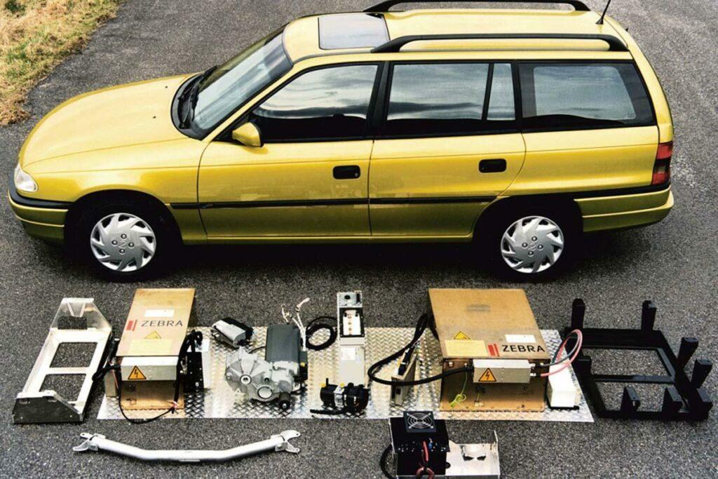 El Impuls II fue el modelo con el que terminó el programa de desarrollo de coches eléctricos de Opel denominado Impuls, que comenzó con el Kadett Impuls I, en 1990.
