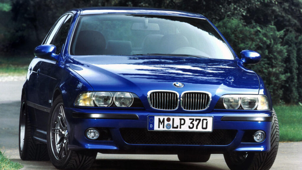 Tal vez nos encontremos ante la mejor berlina deportiva 'grande' de los años 90 y, también, ante el BMW M5 más equilibrado de la historia.