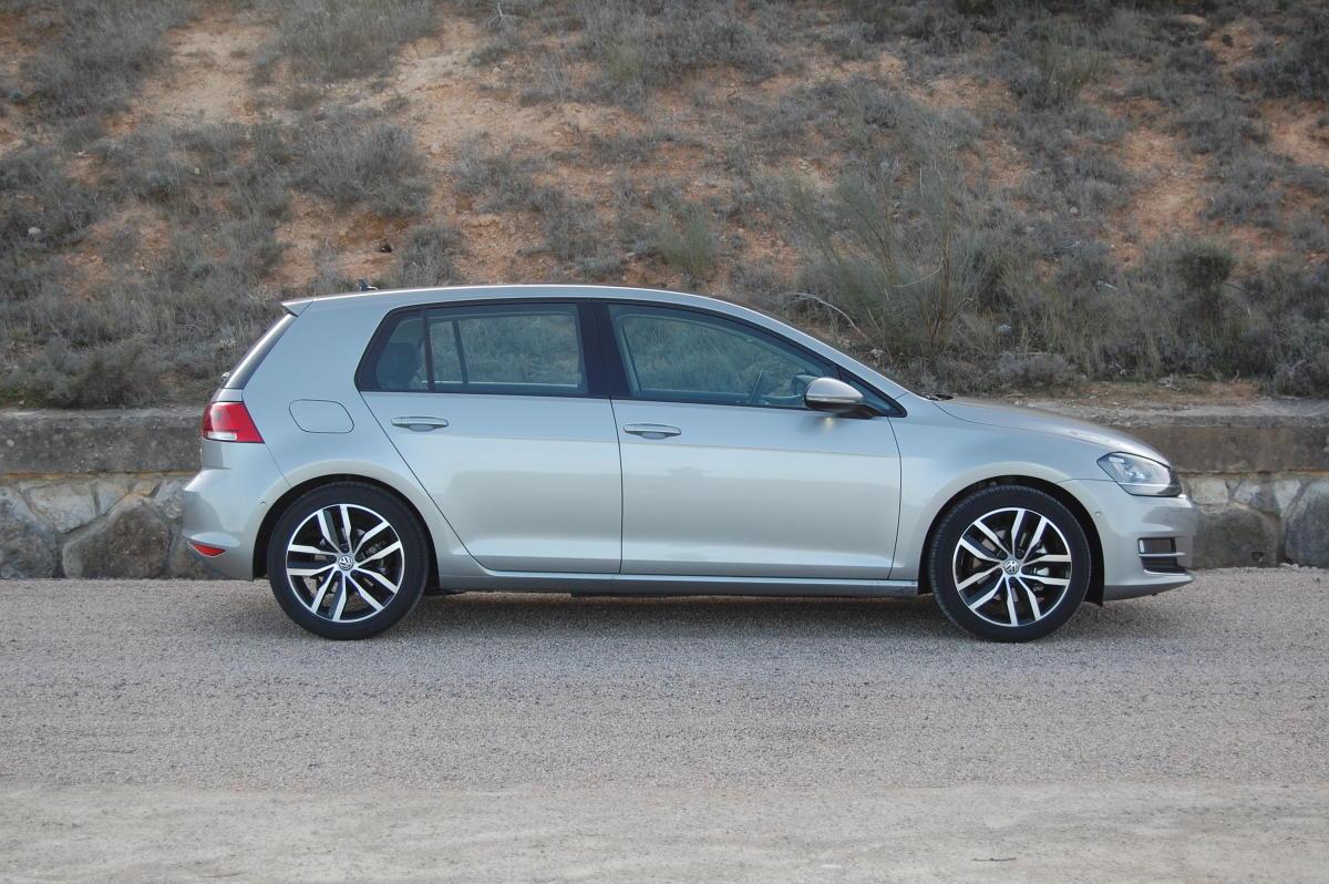 Volkswagen Golf perfil