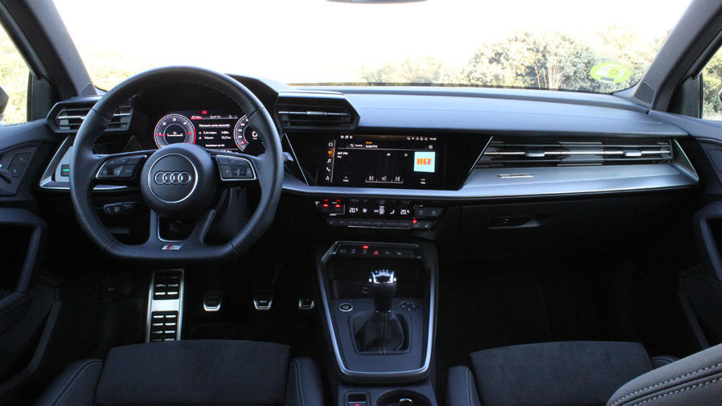 Audi A3 30 TDI interior