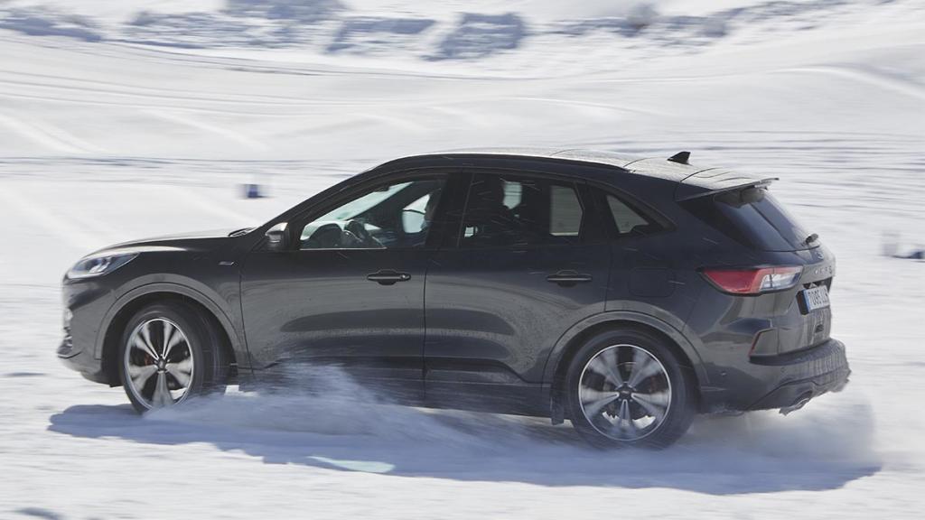 Ford Kuga Hybrid (FHEV) AWD 2021: primera prueba - Autofácil