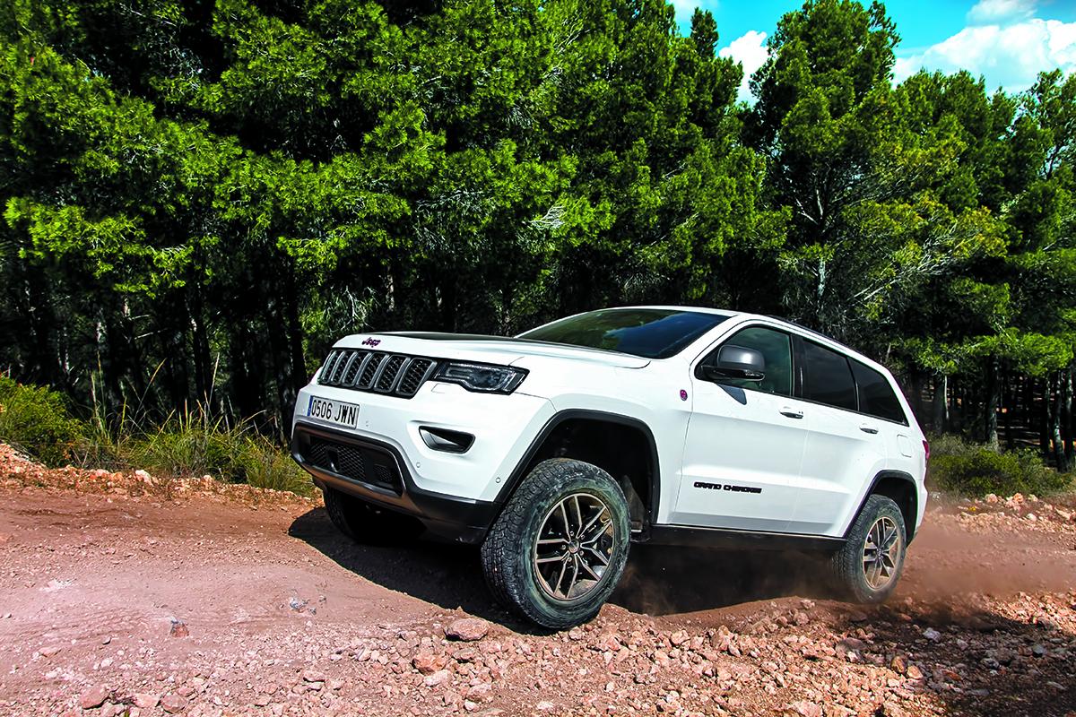 0100035 jeep trail hawk 26 de marzo de