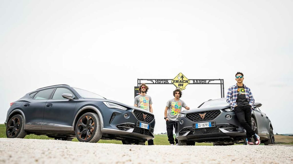 CUPRA-teams-up-with-Valentino-Rossis-VR46-Riders-Academy_3_HQ
