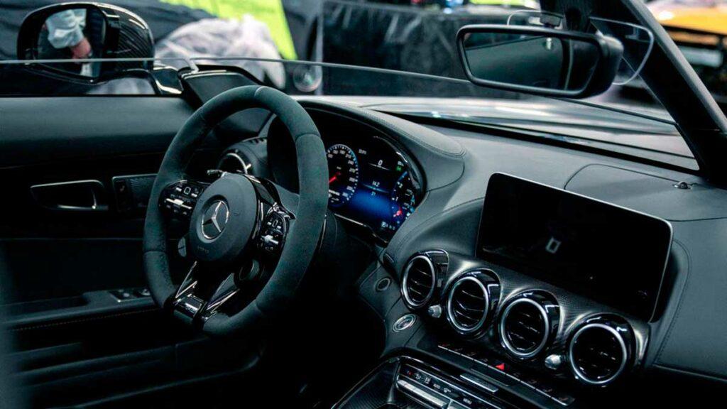 interior-bussink-gt-r-speedlegend