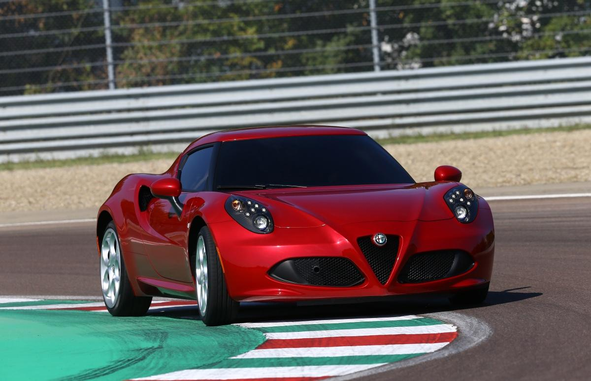 Giancarlo Fisichella prueba el Alfa Romeo 4C