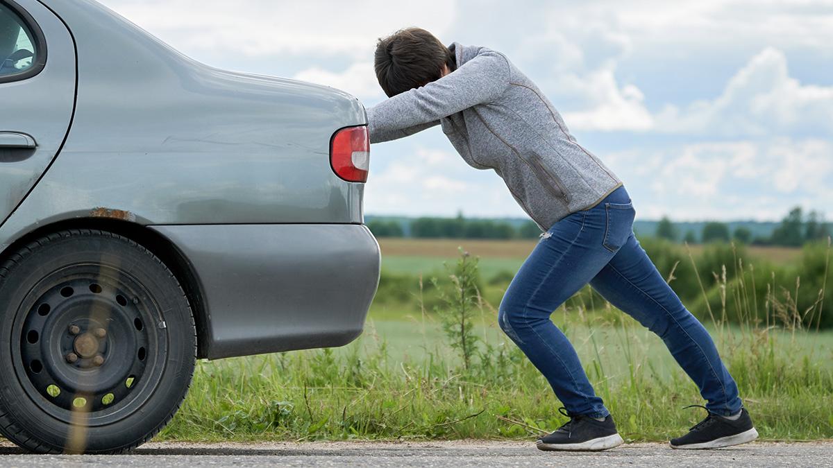 10 malos hábitos que provocan averías en tu coche