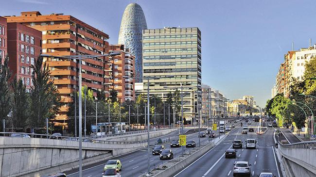 Los coches sin etiqueta de la DGT, tendrán que pagar en Barcelona