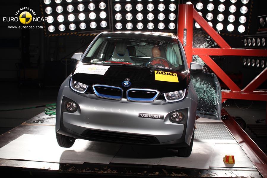 El BMW i3 obtiene  cuatro estrellas en los tests de EuroNCAP