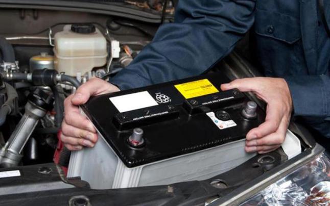 cambiar bateria de coche 3