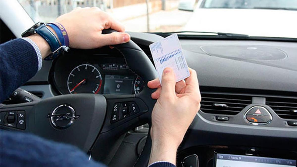 Cómo aprobar el carnet de conducir en 5 claves