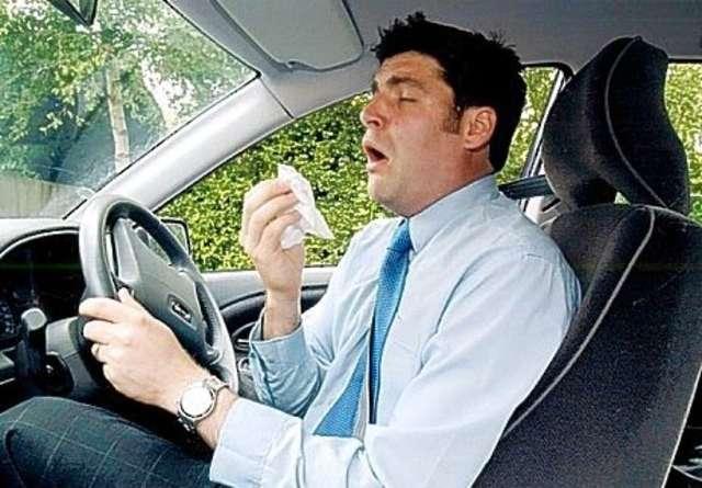 conductor estornudando 1