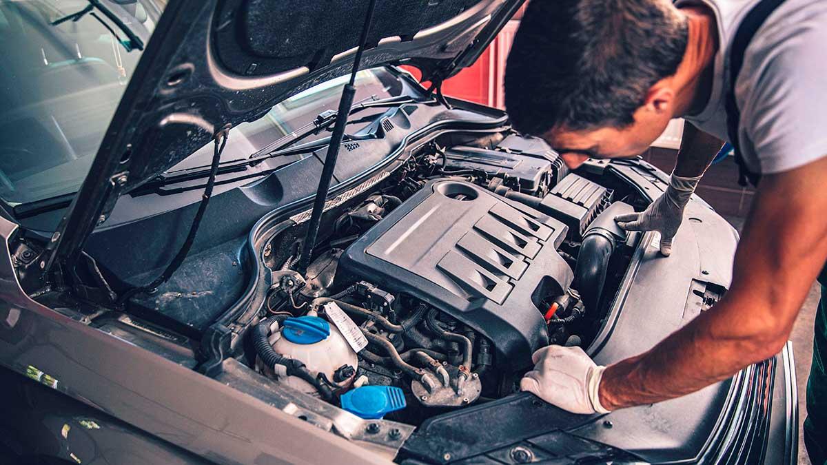Ocho consejos de mantenimiento para poner el coche a punto en primavera