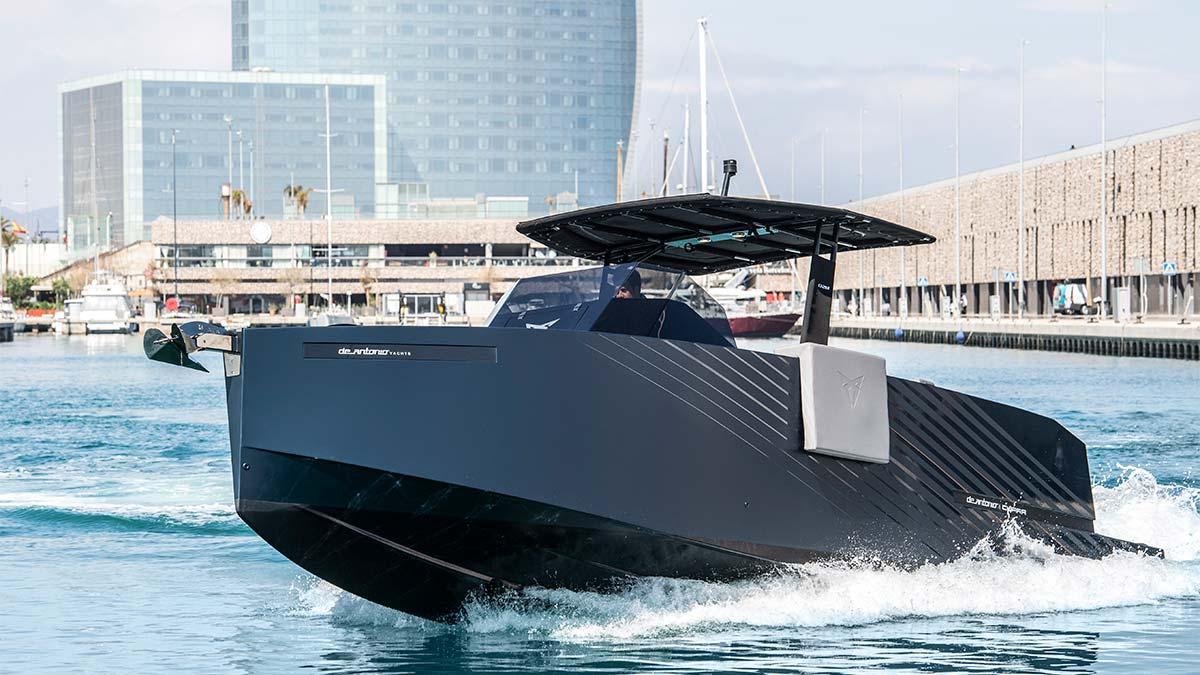 De Antonio Yachts D28 Formentor: así es el nuevo yate de lujo inspirado en el Cupra Formentor
