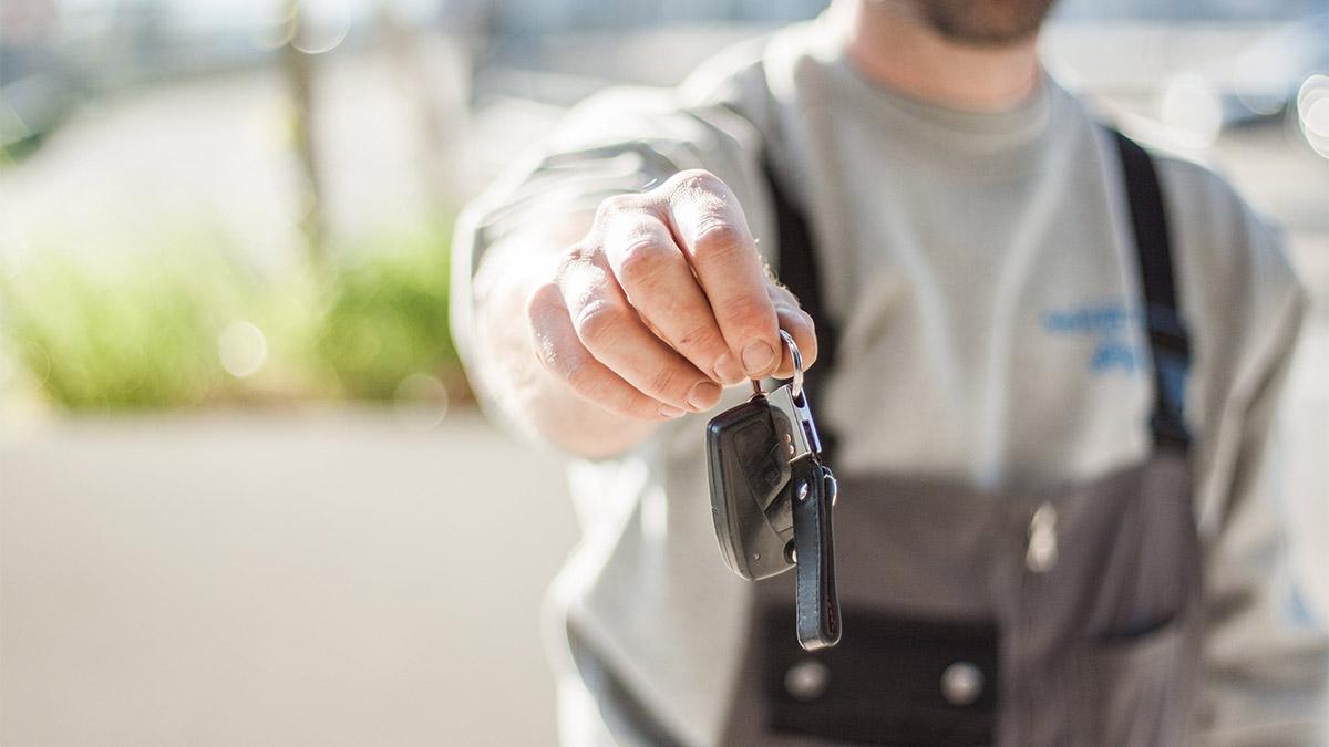 entrega de llaves tras una venta de coche
