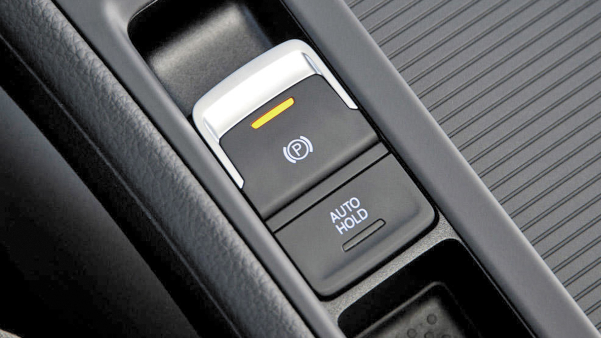 ¿Cómo comprueban en la ITV el freno de estacionamiento eléctrico?