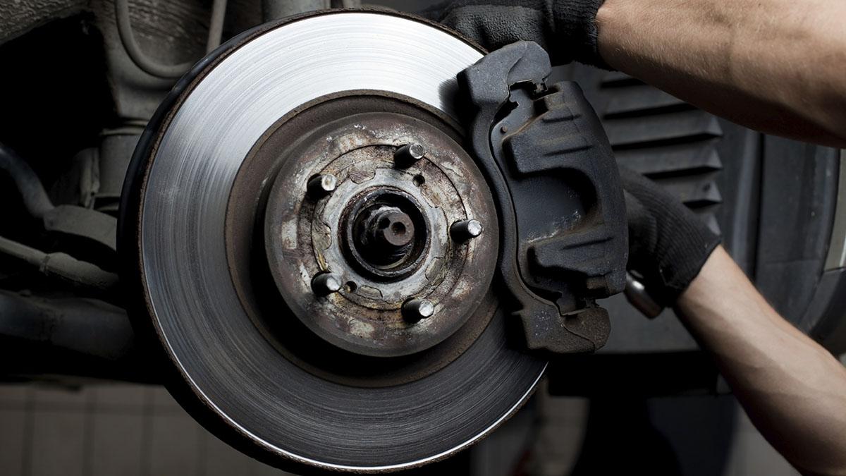 ¿Sabes qué componentes forman el sistema de frenos de un vehículo?