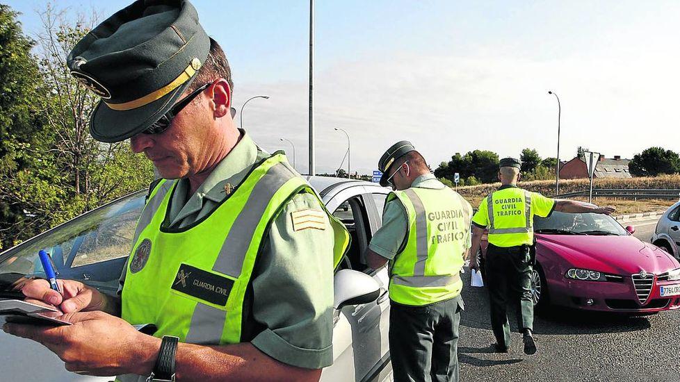 guardia civil multando conductorecdima2016012200043
