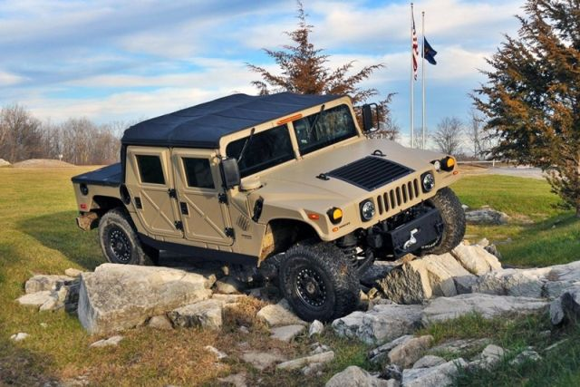 El Hummer H1 vuelve a la vida como Humvee C-Series