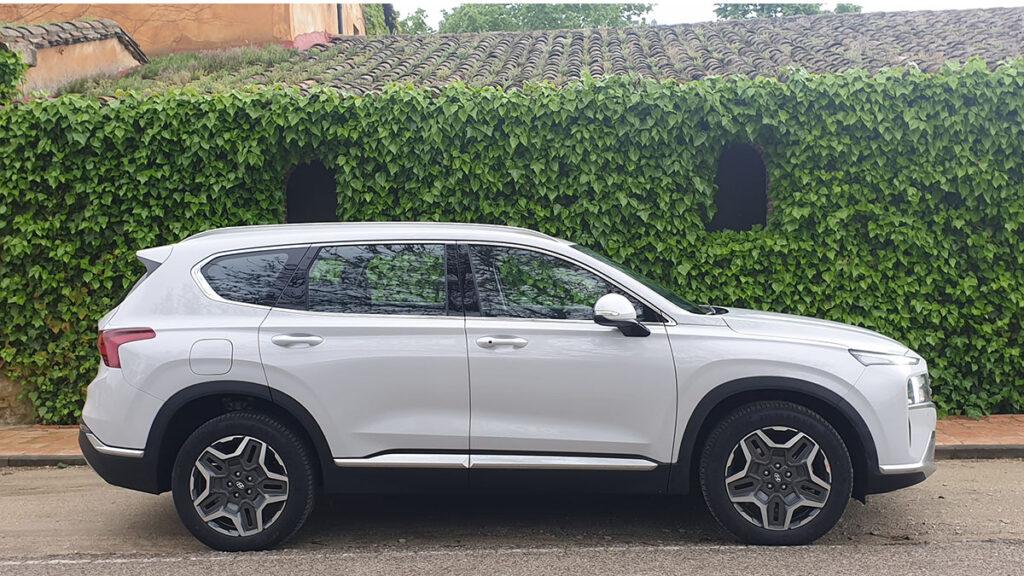 Hyundai Santa Fe 2021 perfil