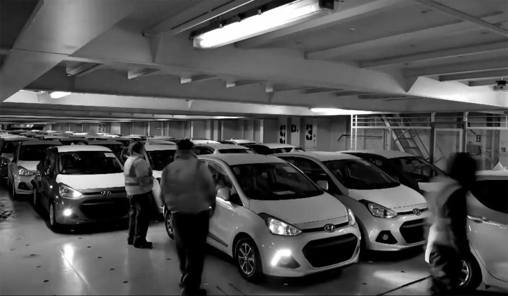 Cómo trasladar 6.500 coches sin que sufran un solo rasguño