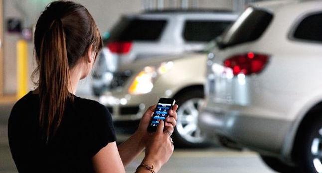 iphone car app