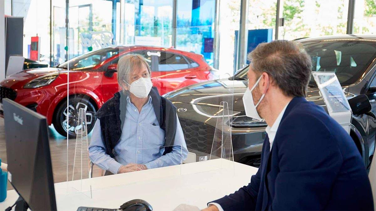 Las ventas de coches crecen un 128% en marzo, pero siguen lejos de los niveles pre-pandemia
